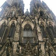 かの有名なケルン大聖堂