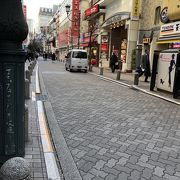 赤坂見附駅すぐ傍の通り
