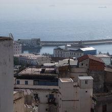 シディ・ラムダン・モスクから地中海をのぞむ