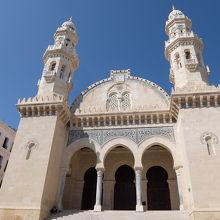 坂を下りきると現れるケチュア・モスク