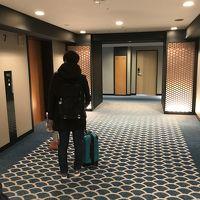 和風のエレベーターホール。