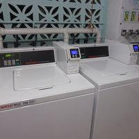 洗濯脱水は1回2ドル30分、乾燥機は1回2ドル1時間で、VI