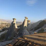 カッパドキアの奇岩がニョキニョキ