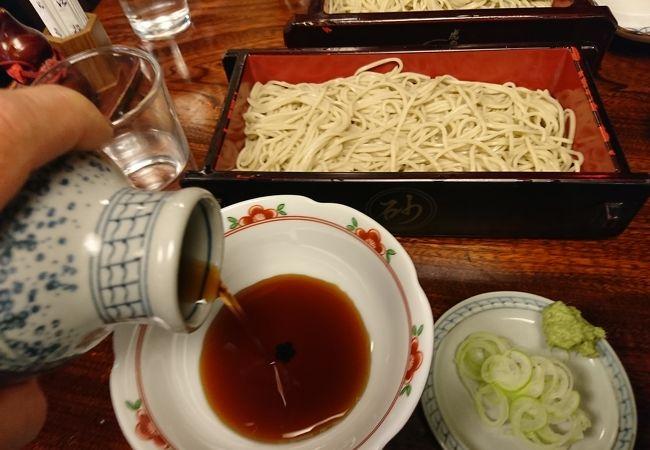 コシのある麺と濃い目つゆ