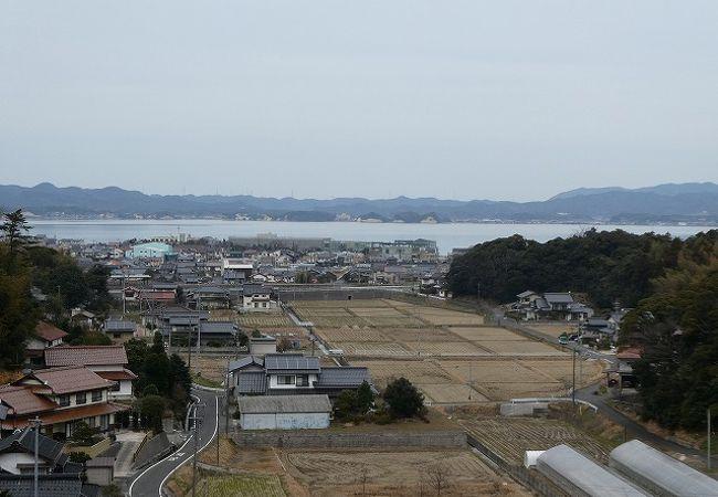 遠目に宍道湖見えました