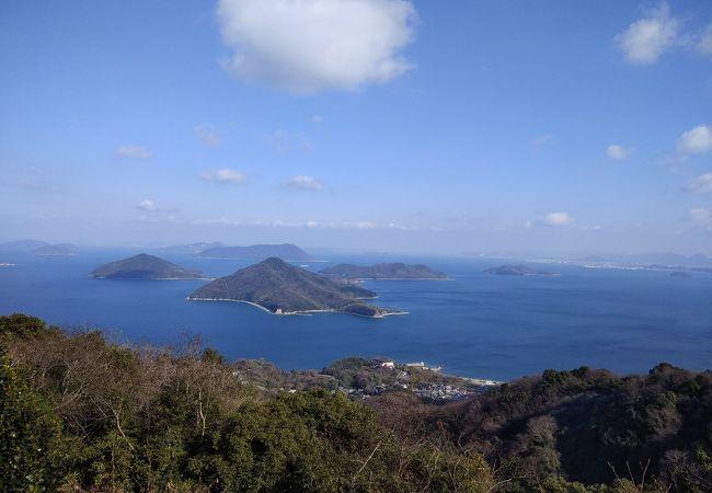 瀬戸内海と島々を見渡せる