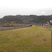 金ヶ崎城址をのぞむ戦前の桟橋地区