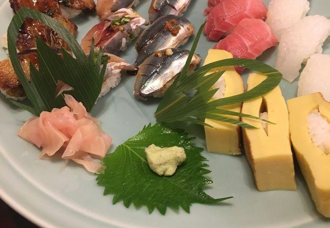 白良浜で人気のお寿司屋さん
