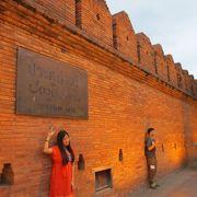 城壁東側の門 ターペー門