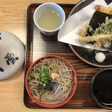 天ぷらも美味しい。