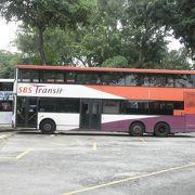 シンガポールを縦横無尽に走る路線バス