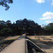 空中参道で有名な寺院。