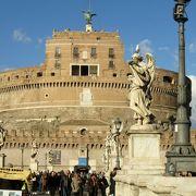 もとは古代ローマ時代の皇帝の墓
