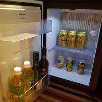 部屋内の冷蔵庫のお酒、ジュース類は無料です。