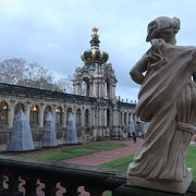 ツヴィンガー宮殿、中庭を散策 ♪