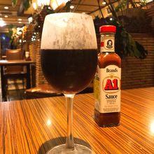 グラス赤ワイン(518円)