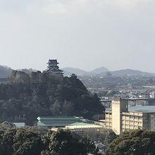 犬山城や木曽川を一望できます。