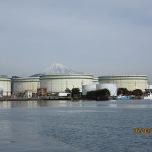 河岸の市から臨む富士山