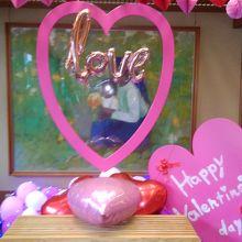 バレンタインディだったので、玄関の飾りが可愛い。
