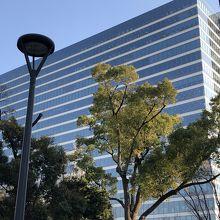 目印はキリンフォールディングス本社ビルと中野セントラルパーク