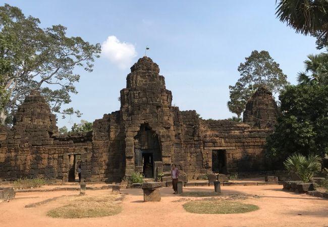 トンレバティ寺院 (ワット タ プローム)