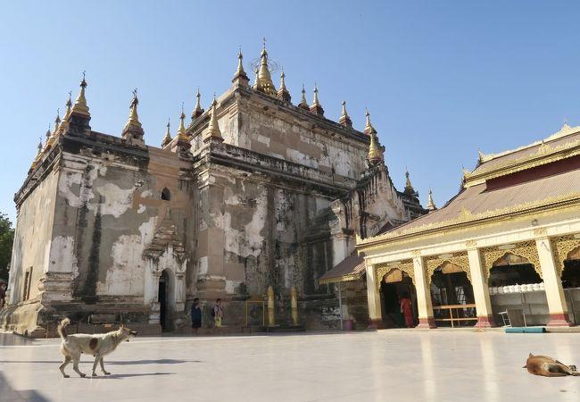 マヌーハ寺院