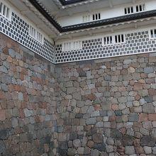 金沢城は「石垣の博物館」だ
