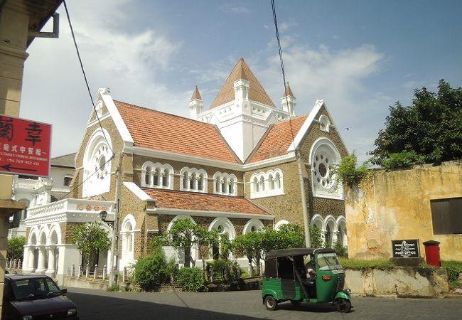 植民地時代のコロニアル建築ですがあまり古さを感じません