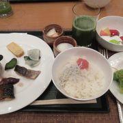 富山の味覚も楽しめる朝食バイキング