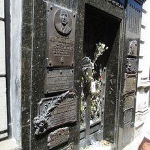 エビータの墓