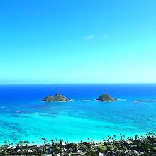 ラニカイピルボックスからのエメラルドグリーンの海の色の景色。