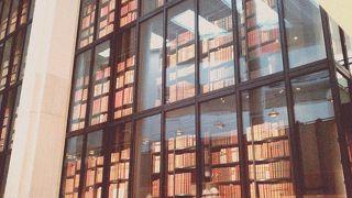 大英図書館内カフェ
