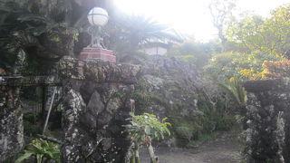 山田邸の庭園