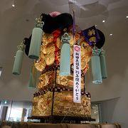 新居浜太鼓祭りの神輿が展示されていて