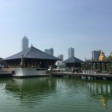 シーマ マラカヤ寺院