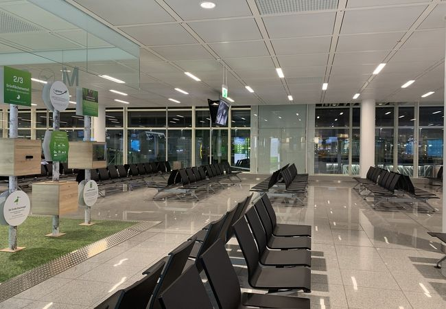 ミュンヘン アウグスブルグ空港 (AGB)