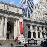 【ニューヨーク/マンハッタン】街中に突然現れる映画&ドラマでお馴染みの図書館