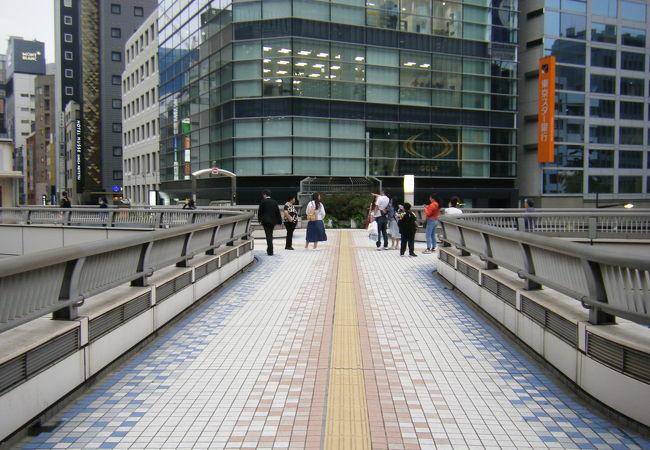「昭和通り銀座歩道橋 (東京都中央区銀座)」の画像検索結果