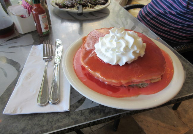 噂のパンケーキは確かに凄い!
