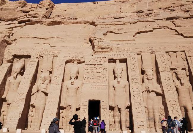 アブ シンベル小神殿