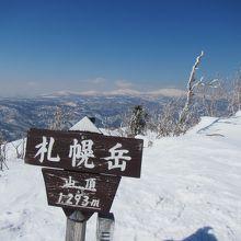 冬はスノーシューで登るとよい山