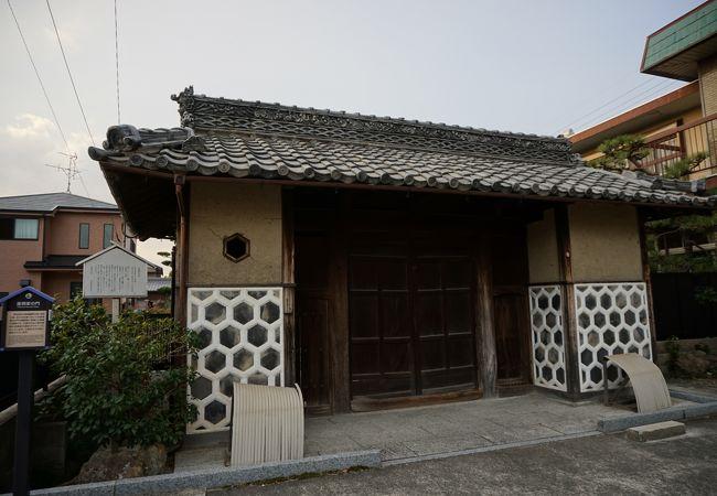 生駒屋敷中門
