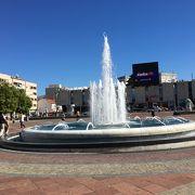 ポトゴリッツァ市庁舎前に広がる広場