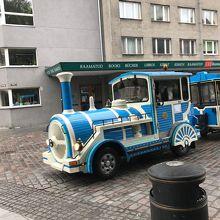 大人も子供も楽しめる観光バス