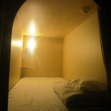 上段2000円のキャビン客室内の様子