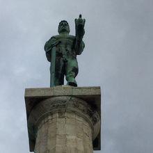ポベドニク (勝利の像)