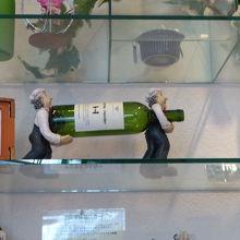 ワイングラス、ワインにあうチョコ、ディスプレー品等もあります