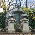 写真:エルウィン フォン ベルツ像