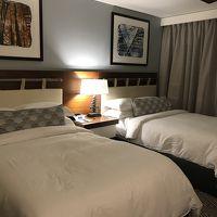 ダブルベッド2つのベッドルーム