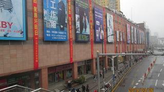 上海新七浦服装市場
